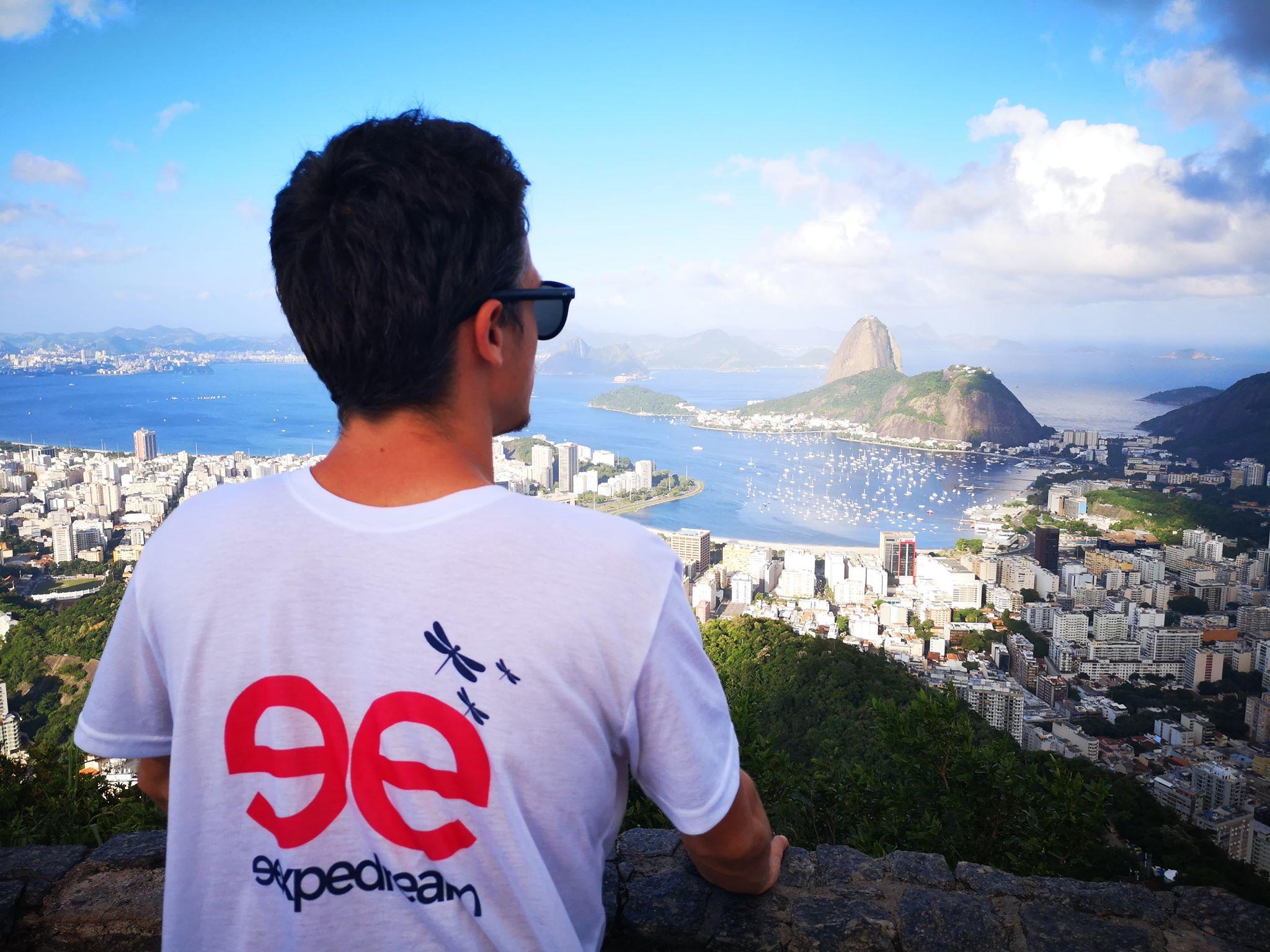 Découvrez la vue imprenable sur la baie de Rio